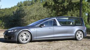 Tesla Model S Begrafeniswagen by RemetzCar 2016 года