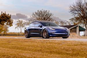 2018 Tesla Model S by EVS Motors on ADV.1 Wheels (ADV5.0 M.V2 CS)
