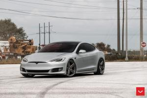 Tesla Model S on Vossen Wheels (HF-1) 2018 года