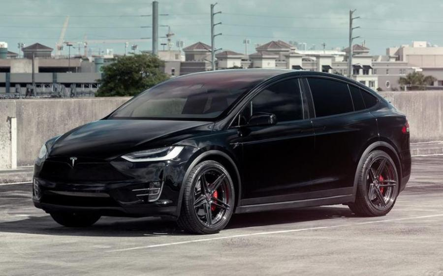 2018 Tesla Model X P100D on ADV.1 Wheels (ADV6 TRACK SPEC SL)