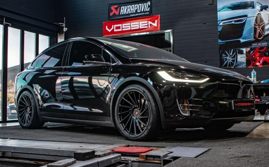 2019 Tesla Model X on Vossen Wheels (VPS-305T)