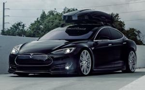 Tesla Model S P85+ on Vossen Wheels (CV10) '2019