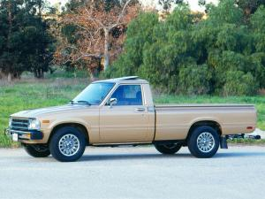 1982 Toyota Deluxe Long Truck 2WD