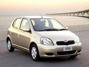 Toyota Vitz F D Package 2001 года