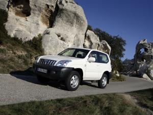 Toyota Land Cruiser Prado 120 GX 3-Door 2003 года