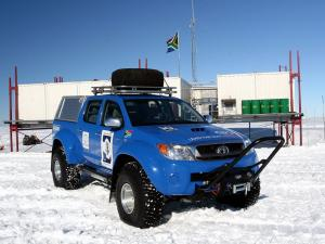 2009 Toyota Hilux Invincible AT38 Arctic Trucks