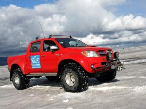 Toyota Hilux Invincible Double Cab by Arctic Trucks 2009 года