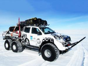 Toyota Hilux AT44 6x6 Arctic Trucks 2010 года