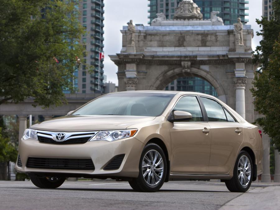 Toyota Camry LE '2011
