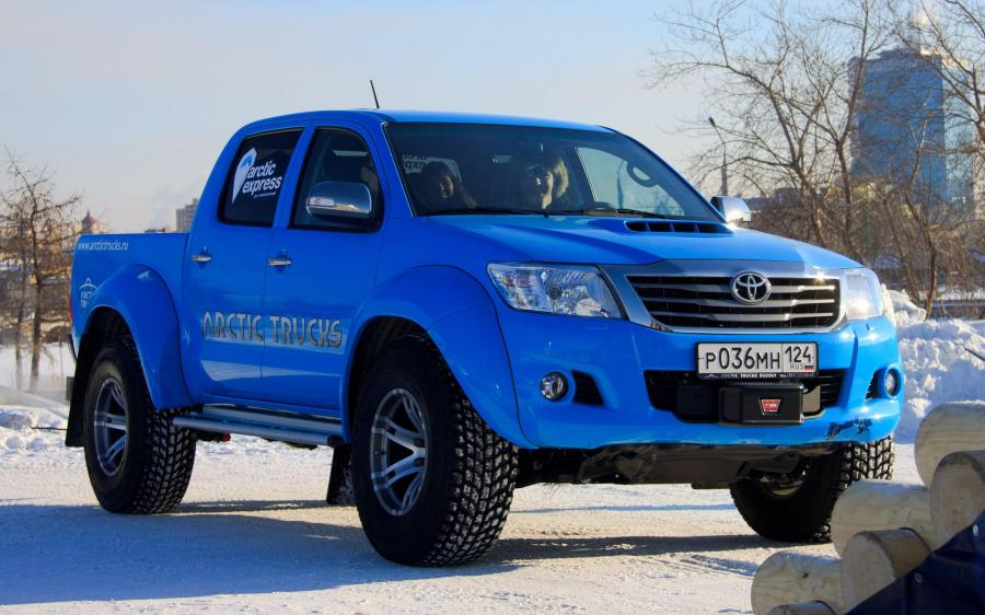 Toyota Hilux Double Cab AT35 by Arctic Trucks