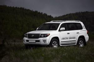 2011 Toyota Land Cruiser AT33 by Arctic Trucks