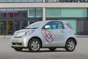 Toyota iQ Customised Clever Cars 2012 года