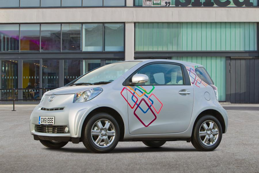Toyota iQ Customised Clever Cars '2012
