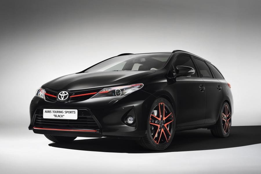 Toyota Auris TS Black by Design Studies