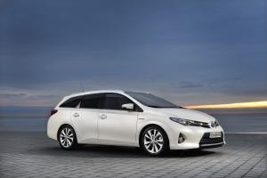Toyota Auris Touring Sports 2013 года