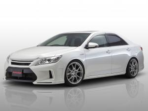 2013 Toyota Camry Hybrid by Asuka Japan