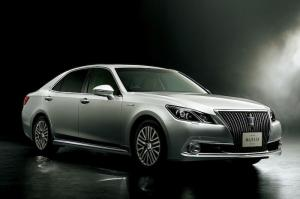 2014 Toyota Crown Majesta Four