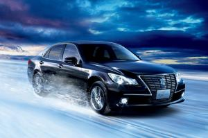 Toyota Crown Royal Saloon G Four Hybrid 2014 года