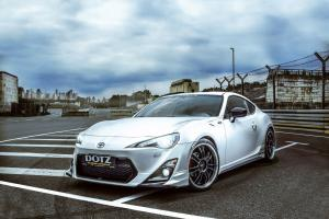 2014 Toyota GT 86 by Dotz Shift