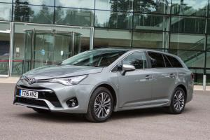 Toyota Avensis Touring Sports 2015 года (UK)