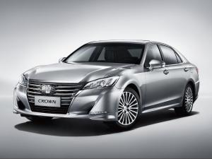 Toyota Crown 2015 года (CN)