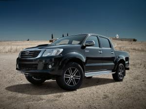 2015 Toyota Hilux on Dezent Wheels