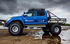 Toyota Hilux AT44 Magic-DML Expedition by Arctic Trucks '2016