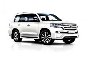 Toyota Land Cruiser 200 Executive White 2016 года (CIS)