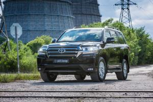 2016 Toyota Land Cruiser 200 by Larte Design