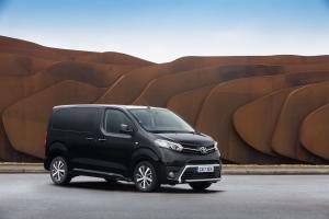 Toyota ProAce Verso Compact 2016 года (UK)