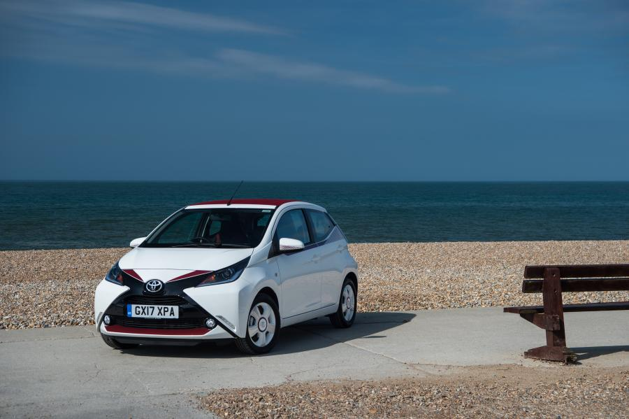 Toyota Aygo x-claim 5-Door (UK) '2017