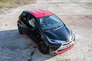 Toyota Aygo x-press 5-Door 2017 года (UK)