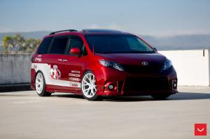 2017 Toyota Sienna by Vossen on Vossen Wheels (VFS6)