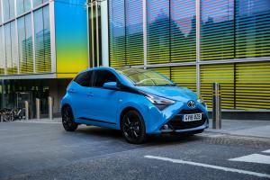 Toyota Aygo x-press 5-Door 2018 года