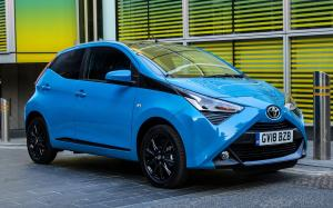 Toyota Aygo x-press 5-Door 2018 года (UK)