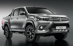 Toyota Hilux Black Edition Double Cab 2018 года (FR)