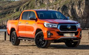 Toyota Hilux Invincible X Double Cab 2018 года (UK)