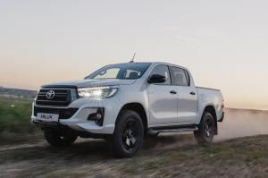 Toyota Hilux Double Cab Exclusive Black 2019 года