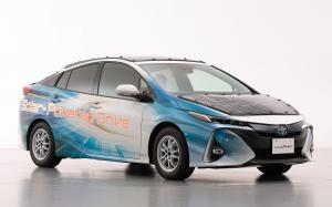Toyota Prius PHV Solar-Powered Drive by Sharp 2019 года