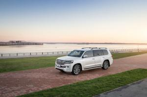 2020 Toyota Land Cruiser 200 by RIDA