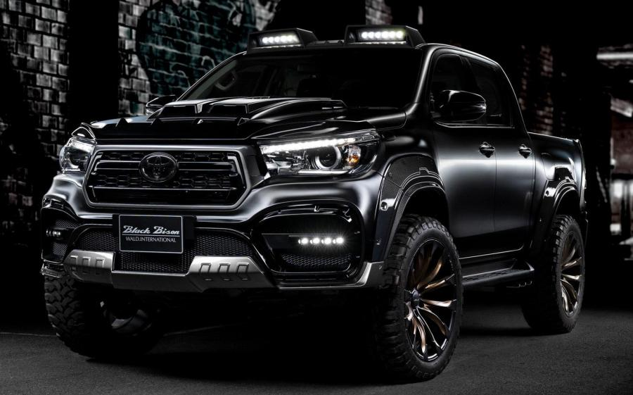 Toyota Hilux Double Cab Black Bison by Wald '2020