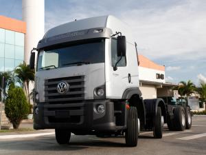 2013 Volkswagen Constellation 24.280 8x4