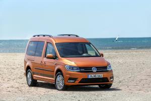 Volkswagen Caddy Maxi Beach 4MOTION 2015 года