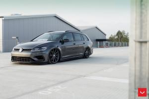 2017 Volkswagen Golf R Estate on Vossen Wheels (VFS-10)