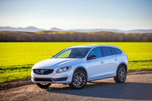 Volvo V60 Cross Country 2015 года (US)