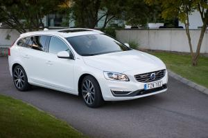 Volvo V60 Twin Engine 2015 года