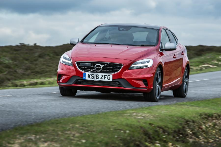 Volvo V40 D3 R-Design (UK) '2016