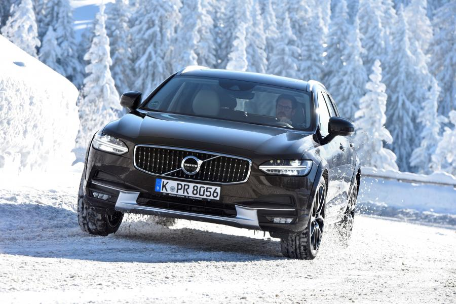 2016 Volvo V90 D5 Cross Country (WW)