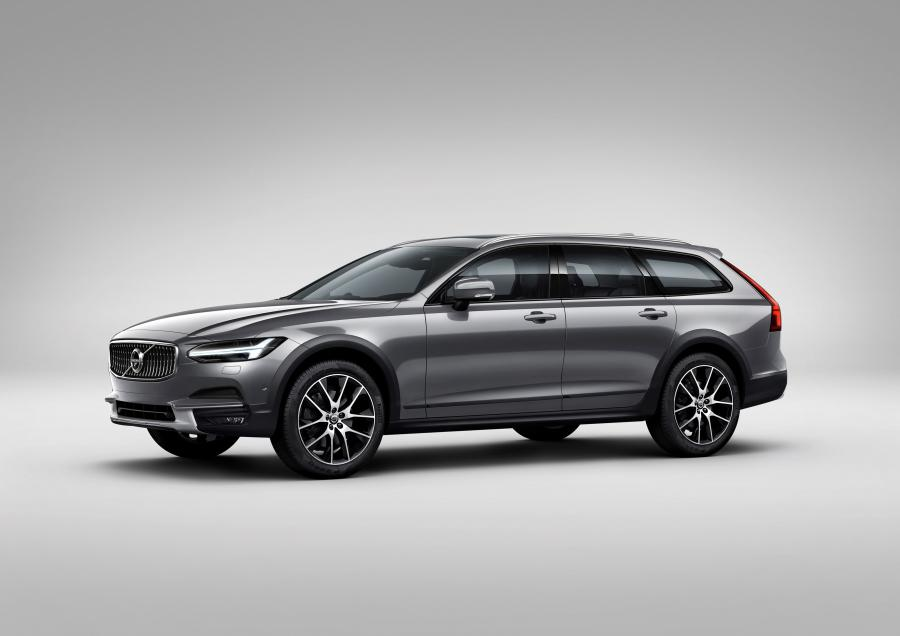 2016 Volvo V90 T6 Cross Country