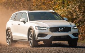 Volvo V60 T5 Cross Country 2018 года (NA)